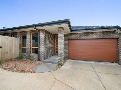 3 Bedroom House Lilydale - Front of House