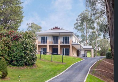 4 Bedroom 2 Storey House Gladysdale - Front of House