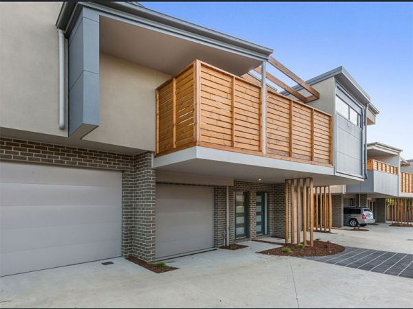 Luxury Townhouse Lilydale - Front of House